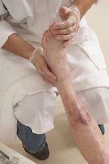 Examen des pieds - 3em Âge