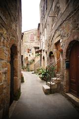 Fototapeta Małe podwórko we włoskiej wiosce