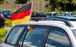 Deutschlandflagge am Auto