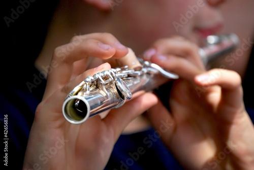Querflöte spielen - 42656836