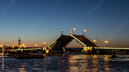 (zoom) St.Petersburg, Palace Bridge drawning (Dvortsoviy Most)