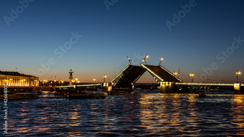 St. Petersburg, Palace Bridge drawning (Dvortsoviy Most)