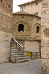 Alter Turm mit Treppe
