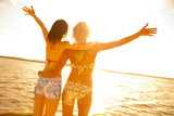 Fototapety girlfriends on resort