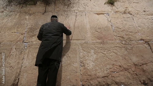 Wailing Wall praying man
