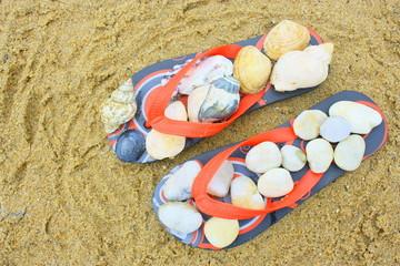 nus pieds sur la plage