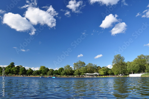 Serpentine Lake im Hyde Park - London, UK