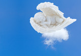 ange endormi sur nuage