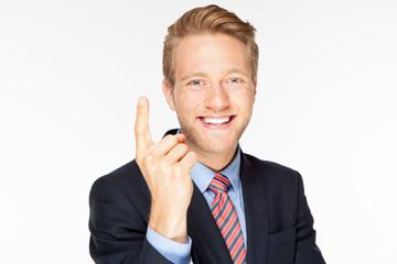 Mann erhebt den Finger