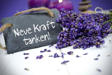Lavendel mit Schiefertafe, Neue Kraft tanken und Kerze