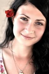 fille avec rose