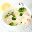 Brokkolicremesuppe mit Garnelen