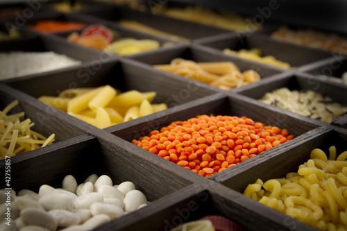 nudeln und hülsenfrüchte