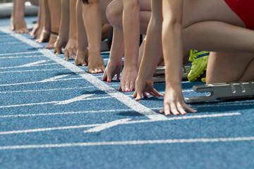 female runners start