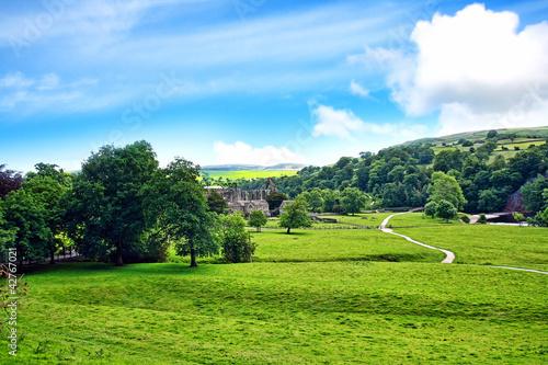Zdjęcia na płótnie, fototapety, obrazy : Bolton Abbey in North Yorkshire, England