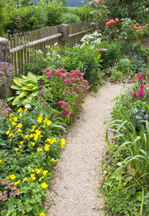 Romantischer Bauerngarten