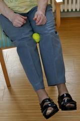 Hockergymnastik für Senioren