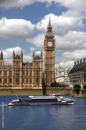 big-ben-z-miasto-lodzia-w-londyn-uk