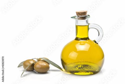 Papiers peints Condiment Aceite de oliva virgen en una aceitera clásica.