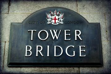 Signposting, Tower Bridge, London