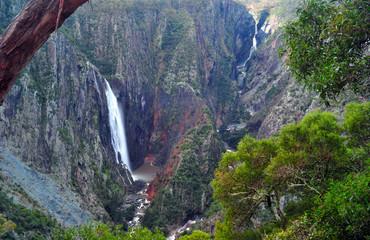 wollomombi falls waterfall rugged scenic wilderness view