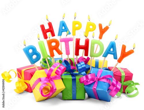 Leinwandbild Motiv Brennende Happy Birthday Kerzen mit Geschenken