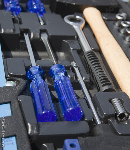 set tools in a box