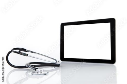 tablet mit stethoskop