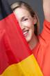 Frau mit Deutschlandfahne