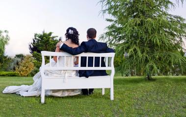 sposi su panchina