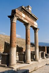 Pompeii Pillar Archway