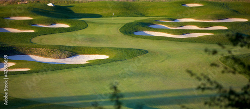 Tuinposter Golf Idyllic Golf Course Hole Scene