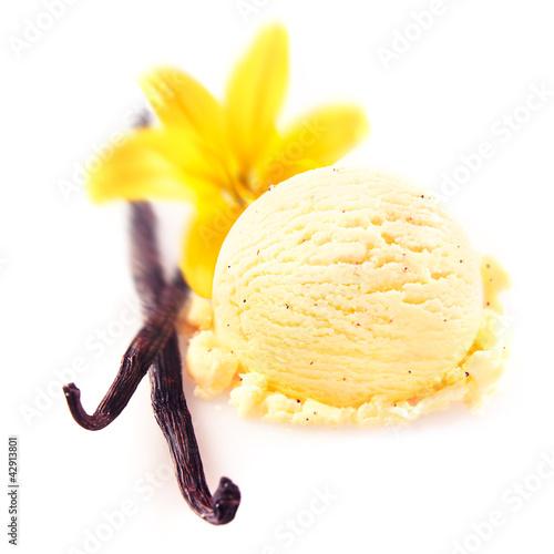 Vanilla pods with icecream