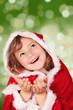 Miss Santa wartet auf die Bescherrung