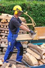 Brennholz, Sägearbeiten