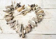 Coeur de coquillages et épaves