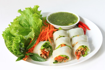 Wrapped Noodle with Vegetables and Meat