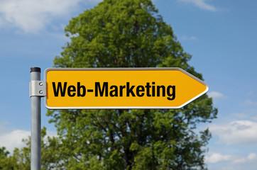 Pfeil mit Baum WEB-MARKETING