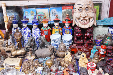 Shanghai, Dongtai antique street market
