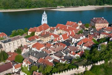 Luftaufnahme von Dürnstein in der Wachau.