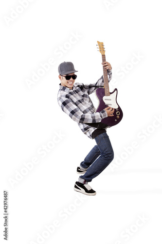 Action of guitarist