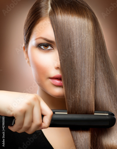 Hairstyling.Hairdressing.Hair Glätteisen.Straight Hair