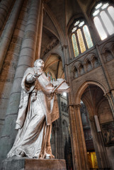 Statue in Saint Denis Basilica.