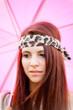 ritratto con ombrello rosa