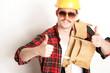 Bauarbeiter mit Sonnenbrille