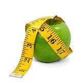 Fototapety Apfel und gelbes Maßband 02