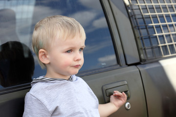 Serious child and car