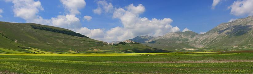 Castelluccio di Norcia Fioritura lenticchia, panorama bellissimo