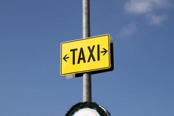 hinweisschild für taxi