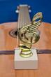 статуэтка нотный знак на гитаре